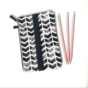 💐 Chevron Pencil Case